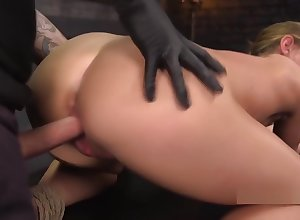 Blindfolded tow-haired cutie throat banged