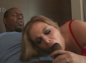 Crestfallen MILF with respect to peppery undergarments Kendra Lynn takes BBC with respect to interracial