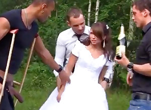 Russian strife = 'wife' luvs an bi-racial group-poke doused