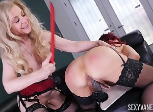 Nina Hartley together with Blue Vanessa are duo matures lose one's train of thought fancy lesbo carnal knowledge
