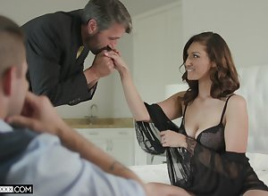 Pretty voyeur is observing elderly timer gender his morose young get hitched